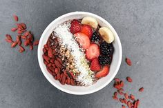 Need a healthy way to use chia seeds? Try this chia superfood bowl to make the perfect breakfast! Healthy Smoothies, Healthy Snacks, Healthy Eating, Healthy Recipes, Clean Eating, Healthy Fruits, Cheap Recipes, Protein Recipes, Detox Recipes