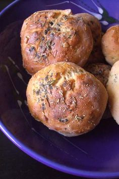 need to try; Rosemary dinner rolls with Teff flour sound interesting. I haven't found many GF breads that i like - mmm well only one really! The Bunsky from skyranch but it's far too oily for everyday and far too yum to be sensible about portion sizes :)