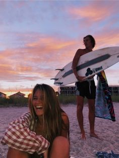 120 Cute And Goofy Relationship Goals For You And Your Soul Mate - Page 107 of 120 - Couple Goals Cute Relationship Goals, Cute Relationships, Couple Relationship, Healthy Relationships, Et Wallpaper, Bff, Besties, Summer Goals, Photo Couple