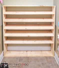 Large shoe rack, super-sized shoe rack, oversized shoe rack, DIY shoe rack, building plans for shoe rack aus paletten How to make a super-sized shoe rack on a budget Shoe Rack Closet, Shoe Cubby, Diy Shoe Storage, Laundry Room Storage, Diy Shoe Shelf, Diy Shoe Organizer, Storage Ideas, Shoe Racks For Closets, Storage For Shoes