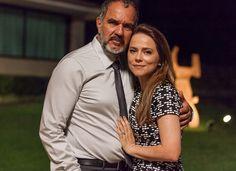 Vivianne posa com Humberto Martins, que interpreta Germano, marido de sua personagem em 'Totalmente Demais' (Foto: Artur Meninea)