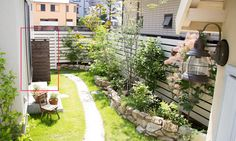 小さなL字のスペースをナチュラルで明るく自分らしい世界へ Narrow Garden, Garden Windows, Green Garden, Outdoor Spaces, Terrace, Garden Design, Construction, Exterior, Outdoor Structures