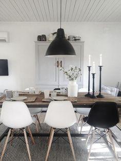Gemütlich Schicke Atmosphäre Im Esszimmer Mit Schwarz Und Weiß | Esszimmer  @ OTTO | Pinterest | Interiors, Room And Dining