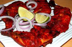 El pollo tandori, denominado también tandoori chicken, es un plato de pollo asado que data de la época del Imperio mogol en la india; es muy popular en esa área así como en gran parte del este de Asia.