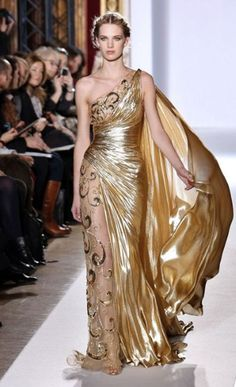 Zuhair Murad Haute Couture spring/summer 2013 long gold sheer one shoulder draped fitted embellished gown dress-Talk about feeling like a goddess! Christian Dior Couture, Dior Haute Couture, Couture Fashion, Runway Fashion, Gold Fashion, Trendy Fashion, Fashion Models, High Fashion, Zuhair Murad