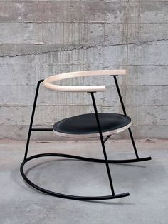 Furniture designer is influenced by Japan and Scandinavia. - Home Decor Iron Furniture, Retro Furniture, Design Furniture, Furniture Styles, Unique Furniture, Chair Design, Home Furniture, Furniture Shopping, Design Apartment
