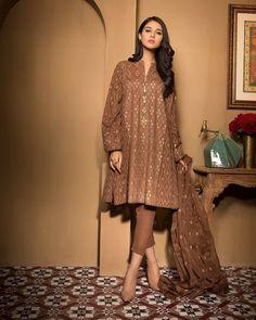 Clothes Winter Pregnancy 43 New Ideas Pakistani Fashion Party Wear, Indian Fashion Dresses, Dress Indian Style, Indian Designer Outfits, Pakistani Outfits, Indian Outfits, Pakistani Models, Pakistani Couture, Pakistani Bridal