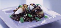 Se opskriften på Le puy linser med aubergine og mozzarellarulle. Klik her og find inspiration blandt mere end 1000 opskrifter til både aftensmad og dessert.