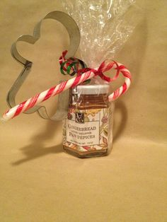 GingerBread spice with a cookie cutter 12 Days Of Christmas, Christmas Holidays, Christmas Crafts, Epicure Recipes, Christmas Baskets, Spice Blends, Bake Sale, Gift Baskets, Teacher Gifts