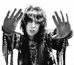 Luke Spiller of The Struts - The Musician's Ear Freddie Mercury, Gethin Davies, Music Is Life, New Music, Glam Rock Bands, Rocker Style, You're Awesome, Amazing, Girl Bands