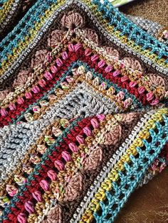 overall size of your shawl you will need to add, or subtract, rows two at a time. This will keep the patterns in the border intact, though it will affect the number of times each sequence will need to be repeated along each side of. Crochet Shawls And Wraps, Crochet Poncho, Love Crochet, Crochet Blanket Patterns, Crochet Scarves, Crochet Clothes, Crochet Baby, Knitting Patterns, Crochet Crafts