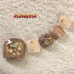 春/夏/旅行/デート/フット - PLUMERIA〜隠れ家サロンプルメリア〜のネイルデザイン[No.4107070]|ネイルブック Pretty Toe Nails, Cute Toe Nails, Polygel Nails, Cat Nails, Cute Acrylic Nails, Toe Nail Art, Bling Nails, Fall Pedicure, Manicure Y Pedicure
