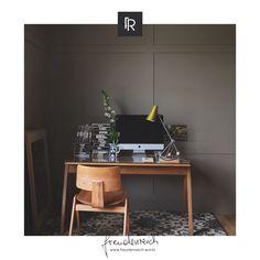 Wünsche für den Raum erfüllt unser #freudenreich Partner @wunschraum.wien täglich. Und das auch mit den kunstvoll gefertigten Farben und besonderen Tapeten von @farrowandball. So wird aus jedem Raum dein ganz persönlicher Wunschraum. Die Inhaberin Eveline Christoffer und Ihr Team beraten dich gerne dazu! Office Paint Colors, Home Office Colors, Best Paint Colors, Wall Colours, Paint Colours, Farrow Ball, Purbeck Stone, Cores Home Office, Scandinavian Style