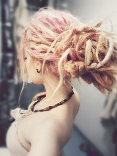 Dreadlocks :: After Susie's wedding I will be starting my dreads Before miss Lovely Lia Soul gets here :) Pink Dreads, Blonde Dreads, Dreads Girl, Dreads Styles, Pastel Hair, Pink Hair, Blonde Pink, Beautiful Dreadlocks, Pretty Dreads