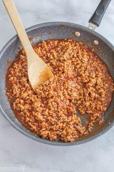 How To Make Ground Chicken Sloppy Joes Chicken Sloppy Joe Recipe, Sloppy Joes Recipe, Sloppy Joe Sauce, Ground Chicken Recipes, Burger Buns, Baked Beans, Shredded Chicken, Perfect Food