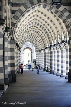 Via XX Settembre, Genoa / Genova, Italy   http://www.dimackey.com/