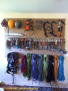 Hubby's rack should look like this. Amazing storage!