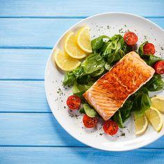Filet de saumon au four – Ingrédients de la recette : 600 g de filet de saumon, 30 ml de huile d'olive, 4 g de origan séché, sel, poivre