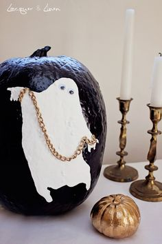 Adorable no carving pumpking decorating ideas! From Lacquerandlinen.com