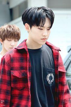 A Hoshi le doy, y no consejos ( ͡° ͜ʖ ͡°) Wonwoo, Jeonghan, Seungkwan, Hoshi Seventeen, Seventeen Debut, Vernon Chwe, All Pop, Choi Hansol, Hip Hop