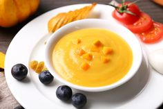Your 6 month old baby can eat delicious food made in the simplest ways. Read on to know more about recipes for your 6 month old's food. Healthy Toddler Breakfast, Healthy Toddler Meals, Pureed Food Recipes, Baby Food Recipes, Diet Recipes, No Cook Meals, Kids Meals, Toddler Vegetables, Toddler Smoothies