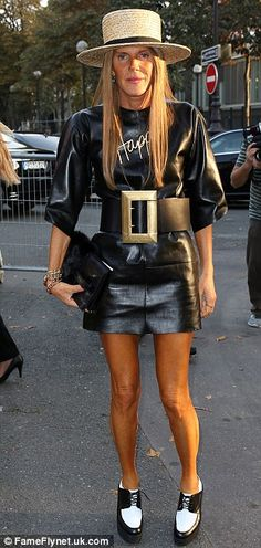 Hat and Belt too big.  Vogue Japan's Anna Dello Russo dressing like a twit.  Nice knee wrinkles.