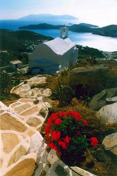 White chapel overlooking de sea in Chora, Ios Island, Cyclades_ Greece Dream Vacations, Vacation Spots, Places To Travel, Places To See, Travel Destinations, Greece Art, Santorini Greece, Crete Greece, Athens Greece