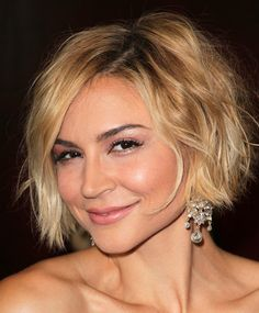 Chic Blonde Bob Hairstyles for Women. There is a list of Women's Blonde Bob Hairstyles that will give you the most excellent look in the fashion field. Shaggy Bob Hairstyles, Short Hairstyles For Women, Cool Hairstyles, Bob Haircuts, Blonde Hairstyles, Layered Hairstyles, Formal Hairstyles, Hairstyles Haircuts, Hairstyle Short