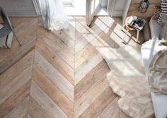 Esittelemme kaikki laattojen ladontamallit | Meillä kotona Hardwood Floors, Flooring, Bathroom Interior, Tile Floor, Interior Ideas, Crafts, Home Decor, Wood Floor Tiles, Wood Flooring