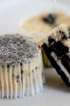 Treat your guests to delicious OREO cheesecake cupcakes at your next summer get together.