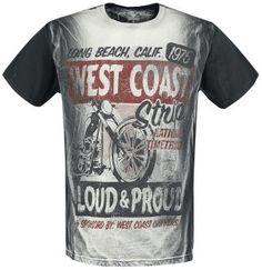 - dibujo delantero y trasero - manga corta - estilo vintage - cuello redondo  Esta camiseta 'The Strip' de West Coast Choppers te ganará con su estilo de dibujo desgastado. Por delante tiene una impresionante moto y en la nuca tiene el logo de West Coast Choppers. Shirt Outfit, T Shirt, Man Fashion, Choppers, Club Dresses, Clothing, Mens Tops, Jackets, Outfits