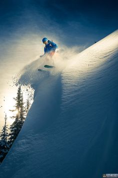 Photo Culmination par Geoff Holman on Ski Extreme, Extreme Sports, Ski And Snowboard, Snowboarding, Freestyle Skiing, Go Skiing, Snow Fun, Snow Mountain, Winter Photography