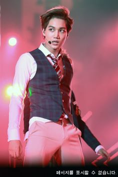 Kai #EXO... Beautiful. This looks like a glorious war pose. He's killed my heart with feels for him