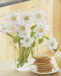 Daisy Crochet Bouquet - some great free flower patterns to crochet - great lasting gift! - RH