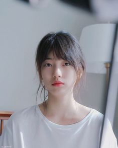Icons Girls, Asian Short Hair, Glowing Face, Cute Korean Girl, Bae Suzy, Korean Actresses, Korean Beauty, Ulzzang Girl, Short Hair Styles