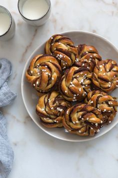Kanelboller (Bollos de canela suecos | Swedish Cinnamon Buns) | FOOD AND COOK