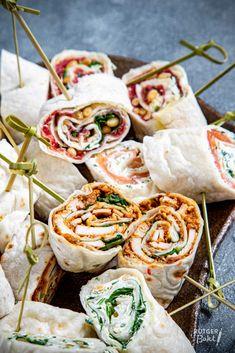 Wraps hapjes recept   Rutgerbakt.nl Tea Snacks, Snacks Für Party, Tapas Dinner, Best Tapas, Good Food, Yummy Food, Pizza Wraps, Fabulous Foods, Midnight Snacks