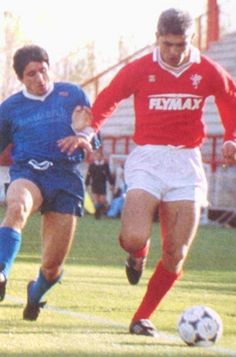 Fabrizio Ravanelli, AC Perugia Calcio (1986–1989, 90 apps, 41 goals + 2004–2005, 41 apps, 9 goals). Ravanelli in action during season 1987/1988.