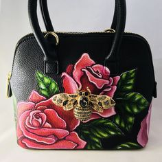 Composition: This is a shoulder bag painted in flower style. The bag has one zip pocket in the back. The bag is very spacious. It is a evening bag, party bag and can be crried to fashion events. Cheap Purses, Cute Purses, Purses For Sale, Small Purses, Handbags On Sale, Luxury Handbags, Purses And Handbags, Versace Handbags, Luxury Bags