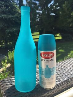 50 Beautiful Wine Bottle Crafts to Upcycle Your Old Wine Bottles 🧜‍♀️., DIY and Crafts, 50 Beautiful Wine Bottle Crafts to Upcycle Your Old Wine Bottles 🧜‍♀️🐋⚙️Home Decor Project Ideas & Tutorials🧜‍♀️🐋⚙️ Old Wine Bottles, Wine Bottle Art, Painted Wine Bottles, Diy Bottle, Bottles And Jars, Wine Bottle Garden, Crafts With Wine Bottles, Wine Bottle Tiki Torch, Lighted Wine Bottles