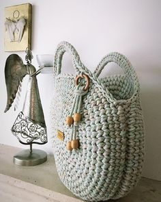 Crochet Round Crochet Home Knit Crochet Crochet Bags Love Crochet Boho Bags Clutch Purse Knitting Yarn Straw Bag Crochet Tote, Crochet Handbags, Crochet Purses, Knit Crochet, Crochet Circles, Crochet Round, Love Crochet, Macrame Bag, Macrame Mirror