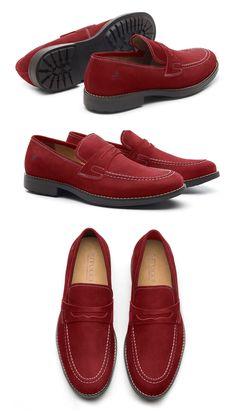 43a77a6e3 Sapatos masculinos estilo Loafer são considerados menos formais que um  Oxford ou Derby. Por isso