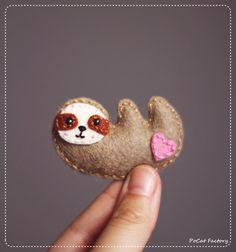 Cute handmade sloth brooch by PoCatFactory on Etsy, Ft2000.00