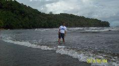 Pantai air manis - padang - indonesia