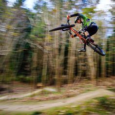 "8,049 Likes, 17 Comments - Global Mountain Bike Network (@globalmountainbikenetwork) on Instagram: ""#tabletoptuesday with @zimblake #gmbn #mountainbike #mountainbiking #mtb #bikelife"""