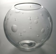 Etched crystal bowl, pattern 7498 - Steuben Glass Works - 1932 - designer Walter Dorwin Teague.