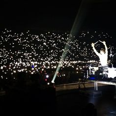 Shannon Leto + the lights of Moscow last night - #LoveLustFaithDreamsTour