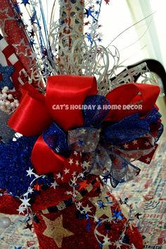 Patriotic Centerpiece using a RAZ Lighted Top Hat, created by Cheryl at Cat's Holiday & Home Decor