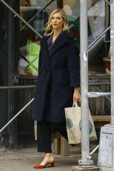 Street Look, Street Style, Most Beautiful Models, Karlie Kloss, Carolina Herrera, Dior, Feminine, Max Mara, Lawyer