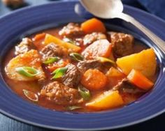 Weight Watchers Make Ahead Slow Cooker Beef Stew Recipe - 14 Smart Points Slow Cooker Beef, Slow Cooker Recipes, Crockpot Recipes, Cooking Recipes, Classic Beef Stew, Chicken And Vegetables, Healthy Chicken Recipes, Meals, Food